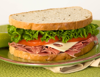 How to make a ham and cheese sandwich with lettuce